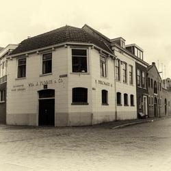 Hoekhuis Florijn genever