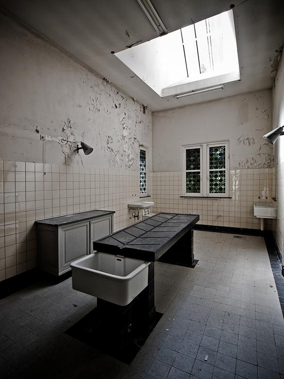 """Mortuary - mortuarium van het voormalig  """"gekkenhuis"""" voor vrouwen."""