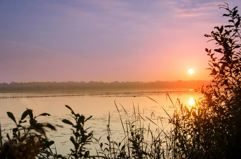 Sunrise - Deze morgen om 0645 opgestaan om naar een onbekende locatie te gaan voor de zonsopgang. Via internet gezocht waar we heen konden gaan. Niet