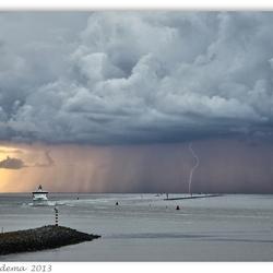 Onweer boven Wad 2