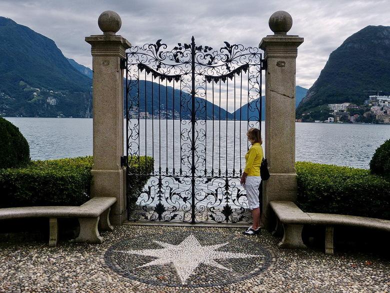 Zwitserland. - Uitzicht van  uit het park over het meer van Lugano.<br /> <br /> 3 september 2014.<br /> Groetjes, Bob.