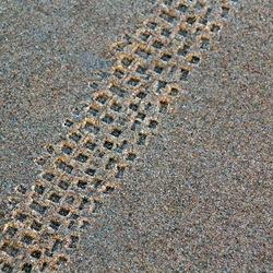 sporen in het zand -4-