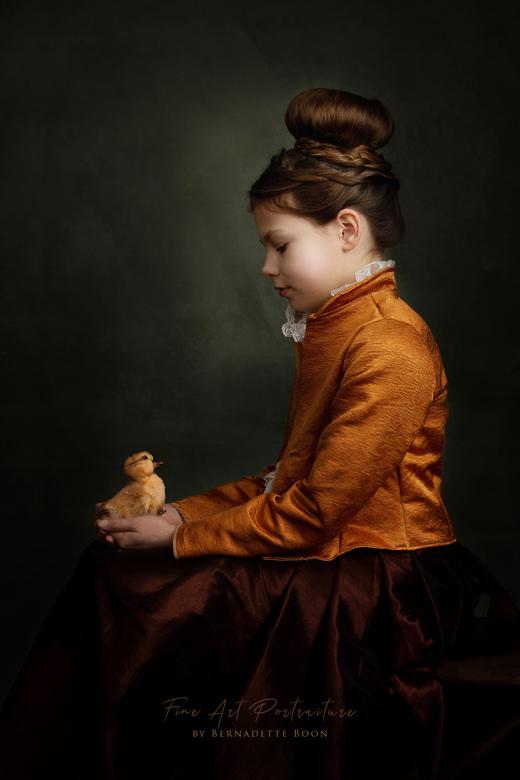 Norah in Rembrandt licht...  - Mooie Norah in het licht van Rembrandt. En dat in het jaar van Rembrandt. <br /> De keuze van het licht op de rug is e
