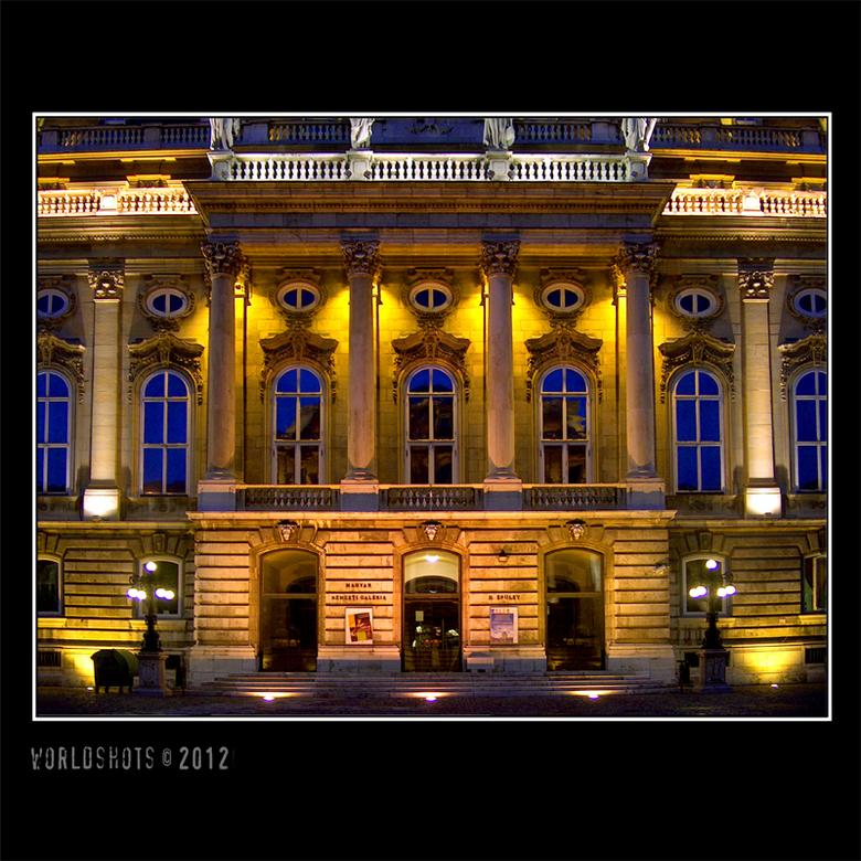 verlicht paleis - Presidentieel paleis van Boedapest