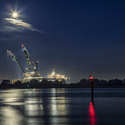 Thialf and the Moon