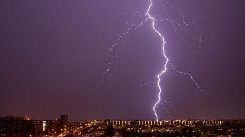 Thor's Angry - Gisteravond weer genoten van het onweersbuitje, alhoewel de bliksem meer in de wolken zat wat ook wel weer een mooi geluid gaf en net t