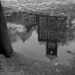 Amsterdam- weerspiegeling na regenbui