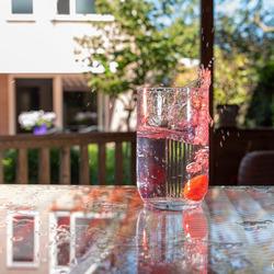 Strawberry-splashing