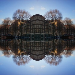 Amsterdam Gereflecteerd