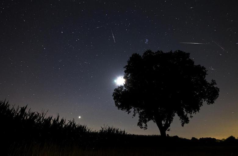 """Perseids meterieten - Foto van afgelopen week tijden de meteorieten regen, waar de volgende <a href=""""http://www.youtube.com/watch?v=5uSWMnp5u5o&amp;li"""
