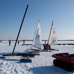 Vermaeck op het ijs.