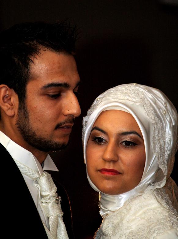 Aydes bruiloft - Een toevalstreffer tijdens een Turkse bruiloft.