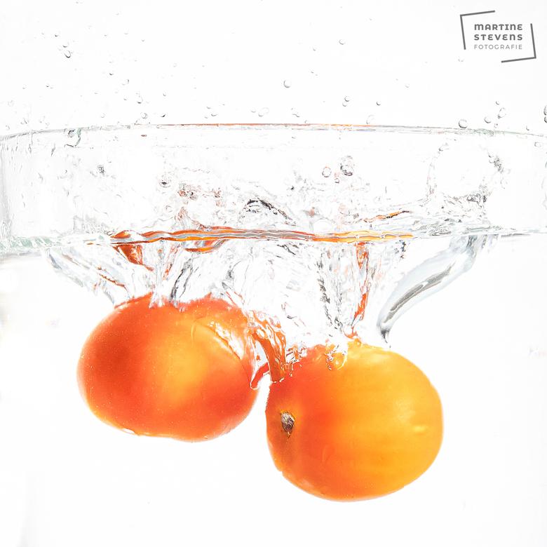 Tomato splash  - Blijft leuk experimenteren met splash foto's, al lukt helaas niet alles.