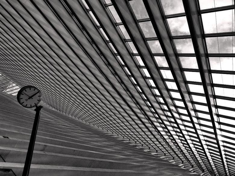 Dakconstructie. - Station Luik België.<br /> <br /> 22 oktober 2012.<br /> Groetjes, Bob.