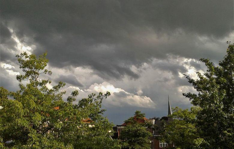 Zaterdagavond 20 juli - Geen gewone camera mee alleen het mobieltje en veel wind vandaar dat het niet alle scherp is..<br /> <br /> Bedankt voor de