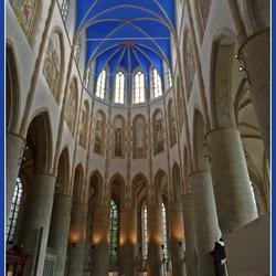 Het koor van de Martinikerk in Groningen, met het hemelsblauw gewelf.