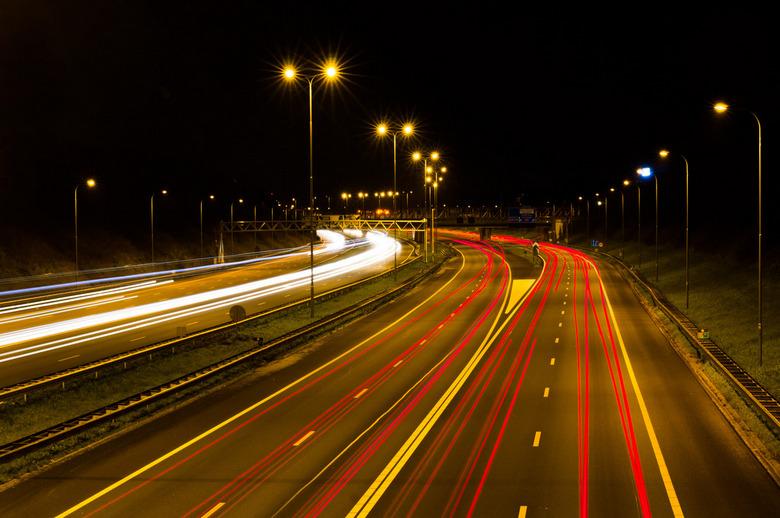 Snelweg - Gisternacht op pad gegaan met mijn statief en een paar kiekjes van de A12 gemaakt. Mooie heldere nacht, maar wel fris!