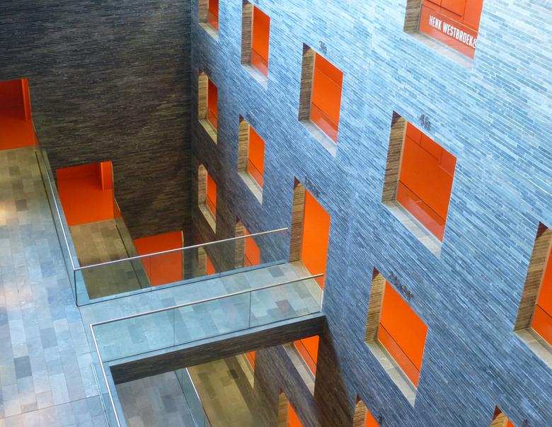 B&G 3 - Beeld en Geluid in Hilversum; de inmiddels op Zoom zo bekende ruimte ondergronds (ong. 15 m)  waar o.a. veel beeld- en geluidsbanden worde