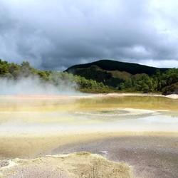 Op het Noordereiland van Nieuw Zeeland in het geothermaal gebied