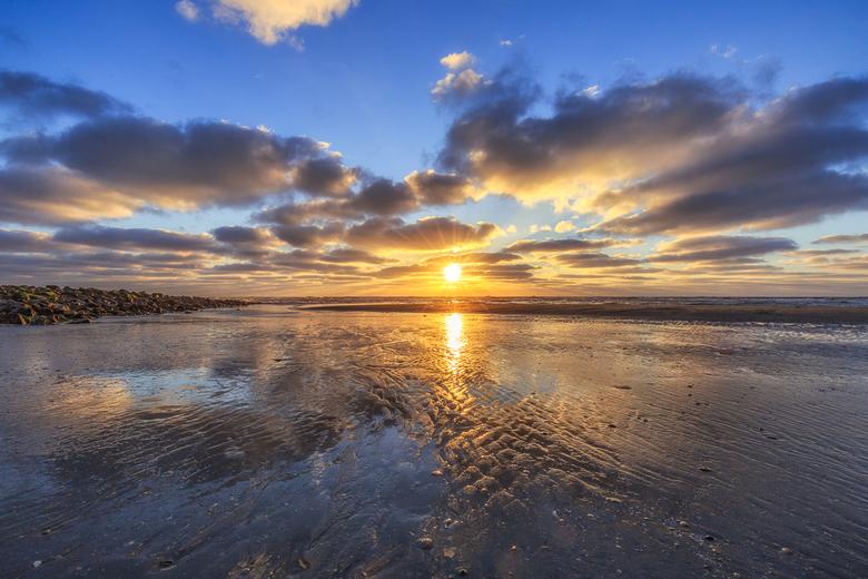 In the Summertime at Sunset - Op een mooie avond op het strand van Hollum, Ameland