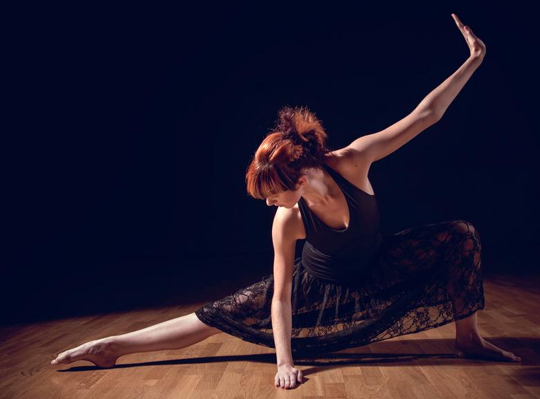 Kathy - Modern dance shoot met Kathy Nagels