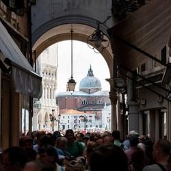 Doorkijk naar San Giorgio Maggiore