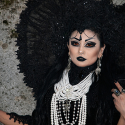 Elfia, black&White