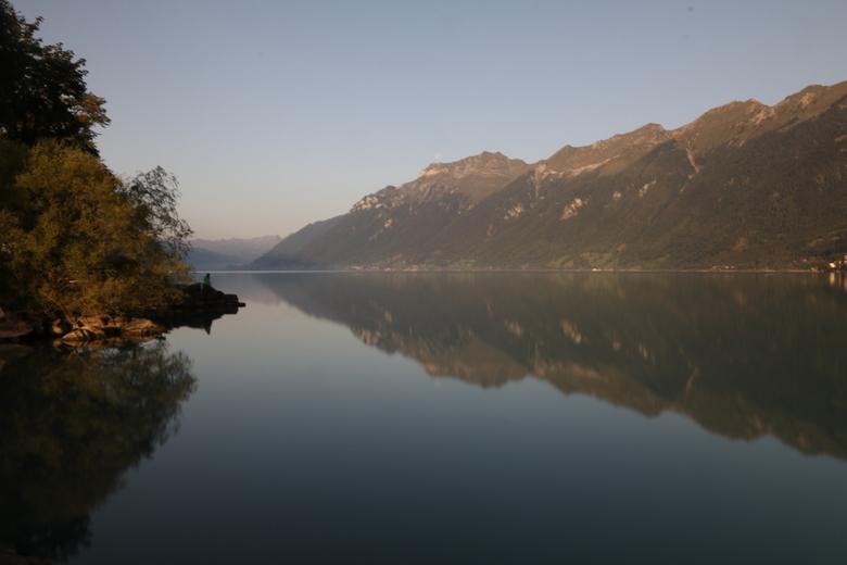 Brienzersee - Vanochtend wakker worden aan de Brienzersee. Wat een panorama, dus vanochtend even de ND filter en camera erbij gepakt. <br /> <br />