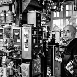 In de koffie winkel Haarlemmerstraat