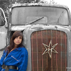 Sabine en een oude truck