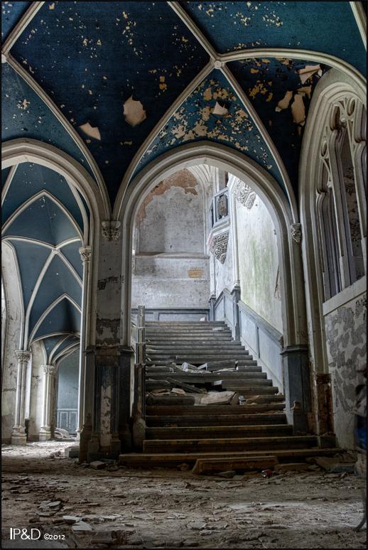 Chateau de Noisy - Tijdens de Franse Revolutie verliet de familie Liedekerke-Beaufort Kasteel van Vêves om te gaan wonen in een nabijgelegen boerderij