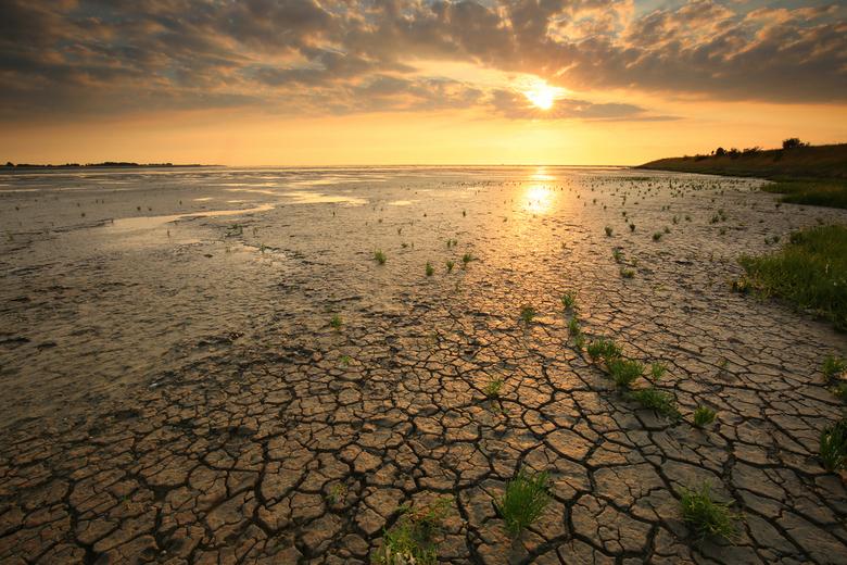Den Oever - Sunset  aan de kust bij Den Oever