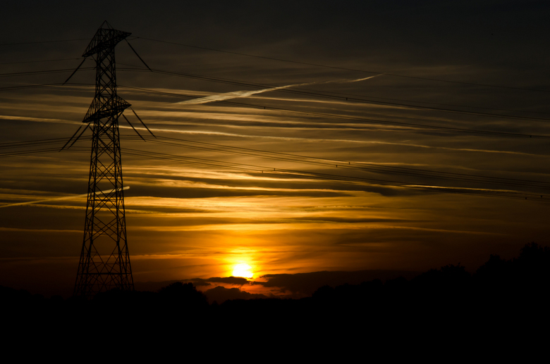 Sunset - Deze foto heb ik gemaakt valkbij Niftrik, een plaatsje naast Wijchen.