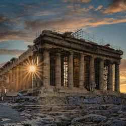 Zon over de Acropolis