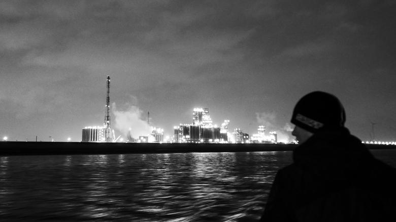 Lichtjes van de Schelde - Antwerpen - Zicht op een petrochemie installatie van de haven van Antwerpen. Genomen vanaf de waterbus.