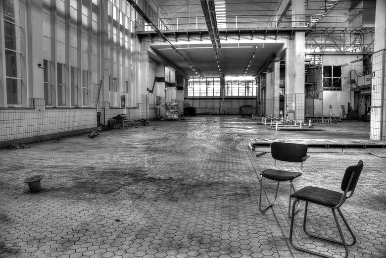 Old milkfactory - De oude melkfabriek is deels al gesloopt. Het grote werk moet nog beginnen, maar er is nog voldoende over om een mooie plaat mee te
