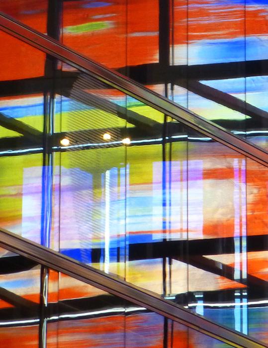 B&G 2 - In Beeld & Geluid speelt kleur een grote rol. Als je met je camera om je heen kijkt is het moeilijk een keuze te maken uit alles wat e