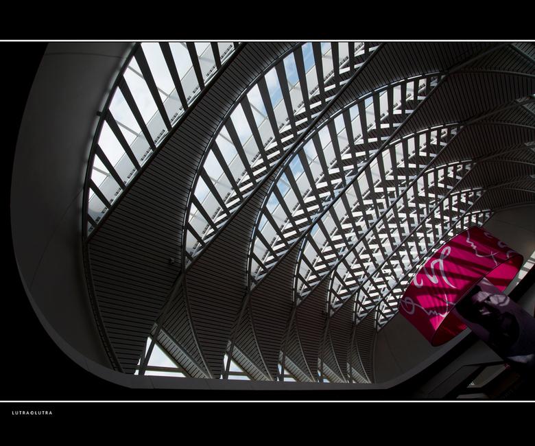 """Breda.. - geen rondje Breda dit keer maar wel een bezoekje aan het winkelcentrum &quot;de Barones&quot; het plafond blijft een uitdaging<img  src=""""/im"""