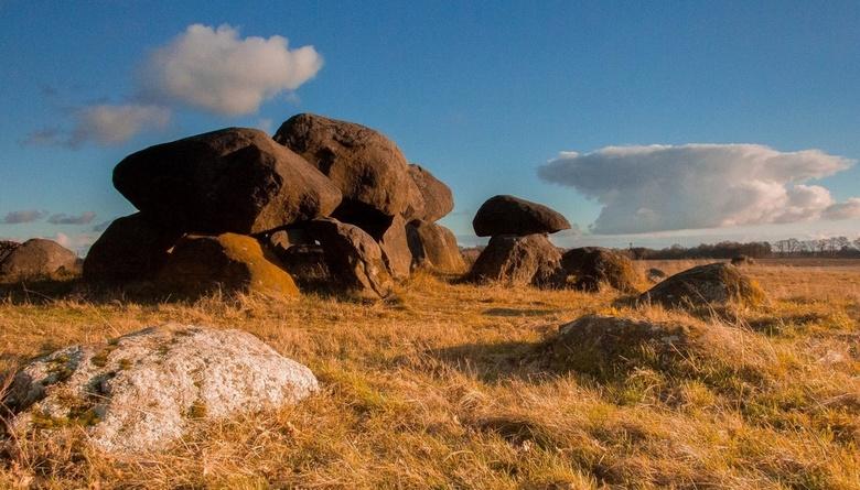 Ancient rocks - Van de hunen....