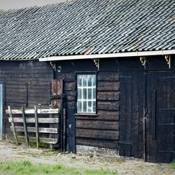 Oude vervallen boerderij.