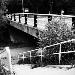 opgang bij brug