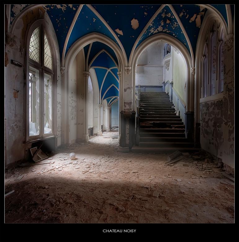 CHATEAU NOISY / MIRANDA - welbekende verlaten kasteel ergens in België. <br /> <br /> te laat om een goede serie te maken,...het was al bijna donker