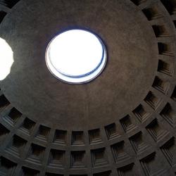 Pantheon vreemde lichtval