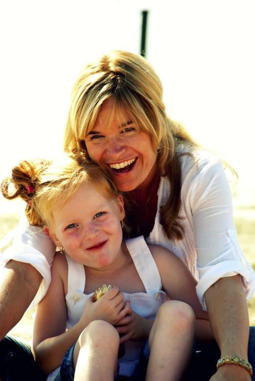 Moeder, dochter - Deze foto vind ik zelf mooi gelukt. Een mooie moeder-dochter foto