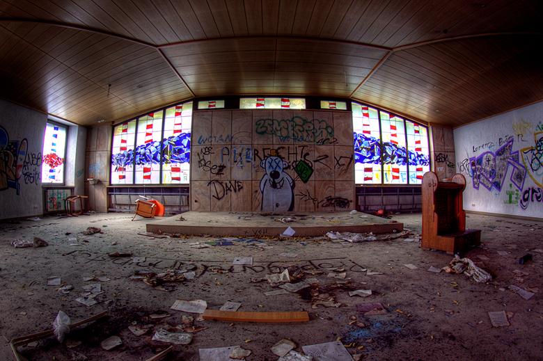 SB Hospital 8 - Op 17-7-2010 hebben Daan en ik een bezoek gebracht aan dit ziekenhuis<br /> <br /> Het is een hdr foto<br /> <br /> Kijk ook eens