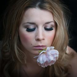 Christa met bloem