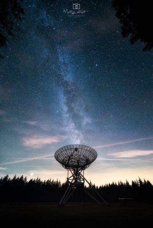 Anyone out there - De nacht voor de piek van de sterrenregen zijn we er op uit gegaan, alleen kamen er al vrij snel wolken aan de hemel dus moesten we