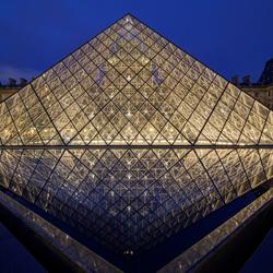 Parijs - Louvre - Pyramide du Louvre - 01