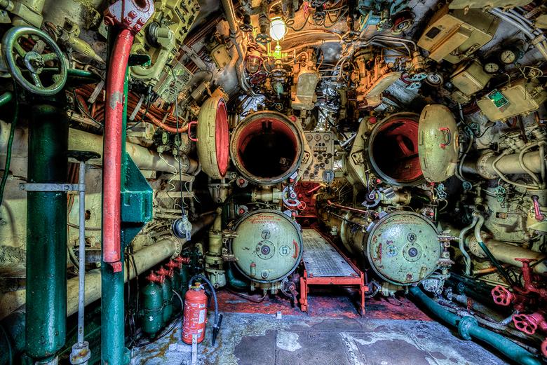 Russische duikboot - Inside een Russische duikboot. Hier zie je de plaats waar de torpedo&#039;s afgevuurd werden.<br />