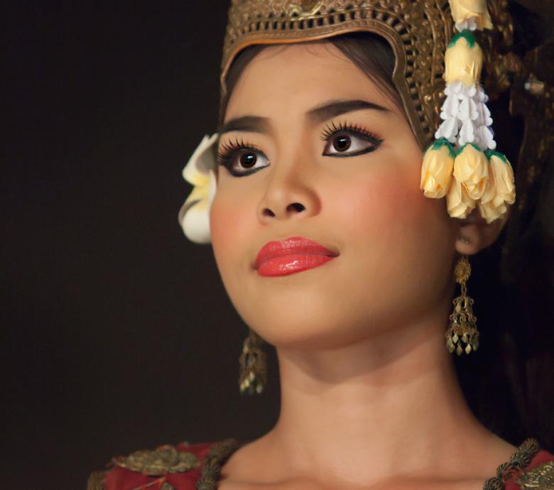 289 Best ONLY ⋩ ⋨ EYES images | Eyes, Beautiful eyes, Arab beauty | 690x780